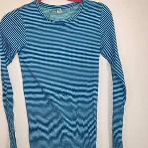 Under armour long sleeve athletic shirt women's